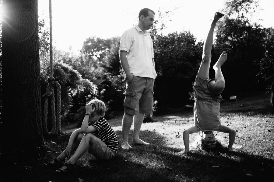 Familie, schwarz-weiß, natürlich, Fotograf, Kinder, Hamburg, kathrin-stahl