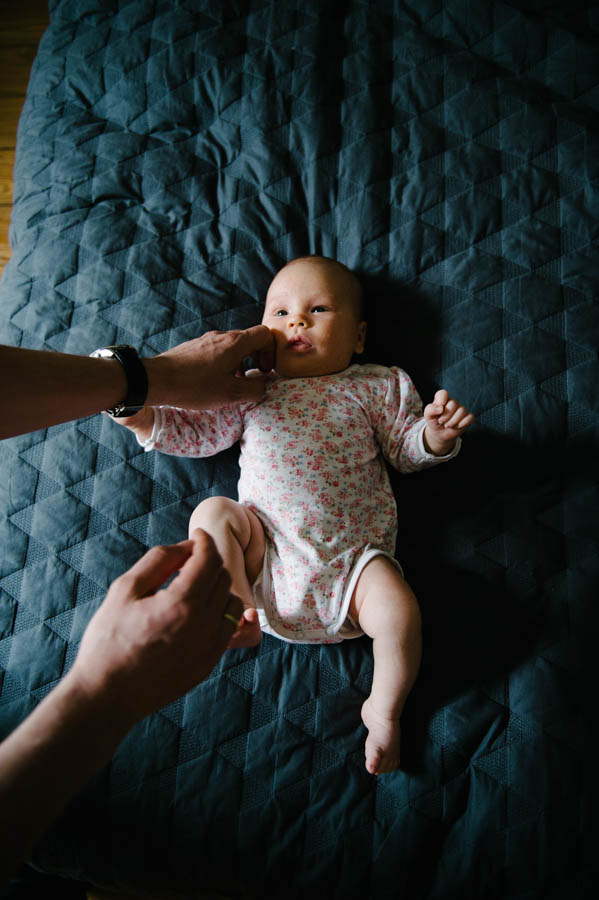 newborn-zuhause-fotograf-reportage-hamburg15