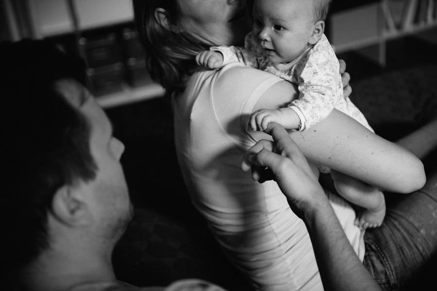 newborn-zuhause-fotograf-reportage-hamburg23