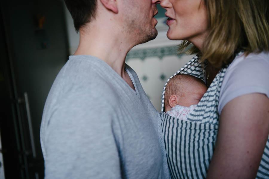 newborn-zuhause-fotograf-reportage-hamburg28