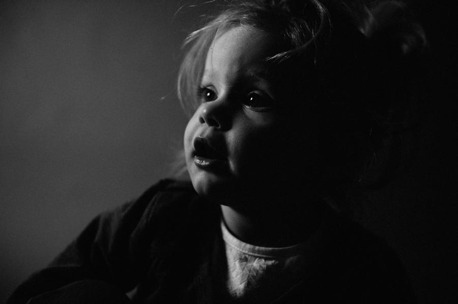 Foto, Kind, ungestellt, Portrait, schwarz-weiß
