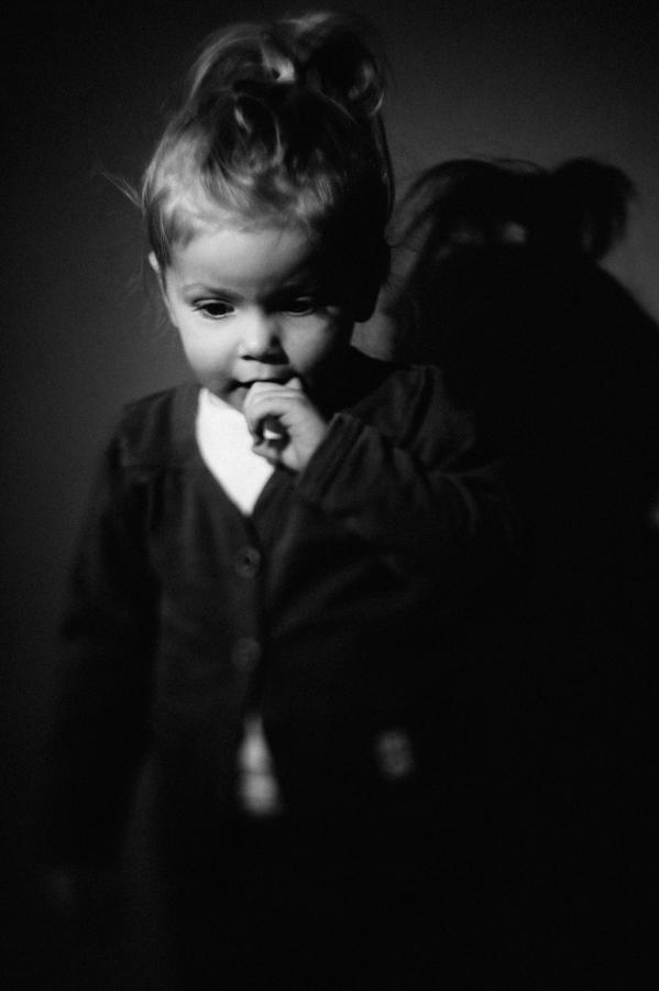ungestellt, Portrait, Kind, schwarz-weiß