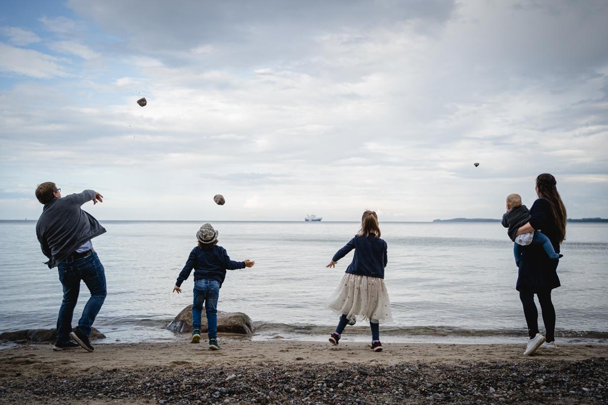 Familienfotos an der Ostsee, Travemuende, Scharbeutz, KathrinStahl-27